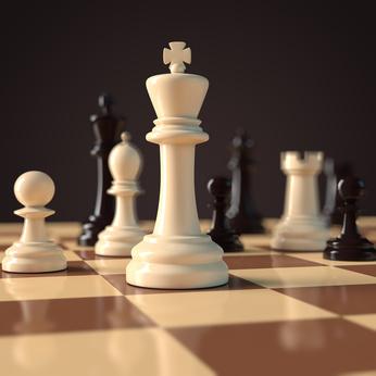 Schachbrett mit Schachfiguren - Spielsituation